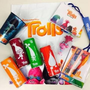 Win Tickets to See Trolls + a Prize Pack! #Giveaway #UnconTROLLableFlavor