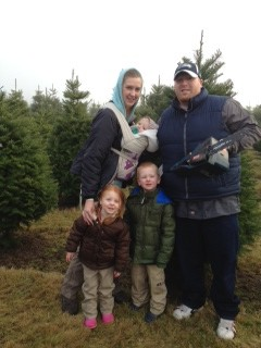 Savvy Sunday: Christmas Tree Farms (& Dickies Review)